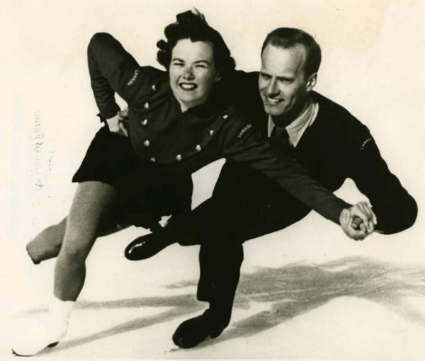 photograph of Frances Dafoe and Norris Bowden skating
