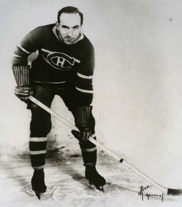 photograph of Howie Morenz in team uniform