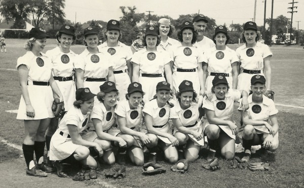 photograph of Rockford Peaches Baseball team