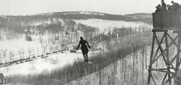 photograph of Isabel Coursier ski jumping