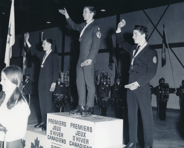 Photo de Toller Cranston sur le podium
