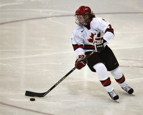 photograph of Geraldine Heaney playing hockey in Team Canada uniform