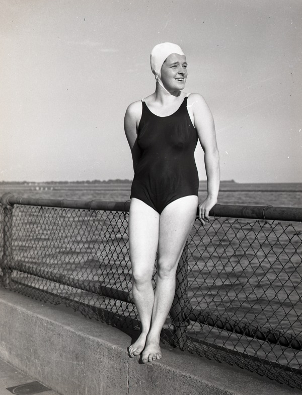 Photograph of Winnie Roach Leuszler in a bathing suit