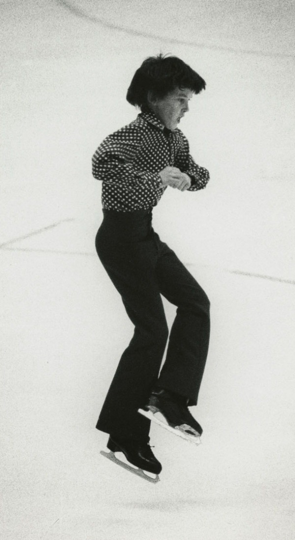 Photo de Brian Orser en train d'exécuter un saut