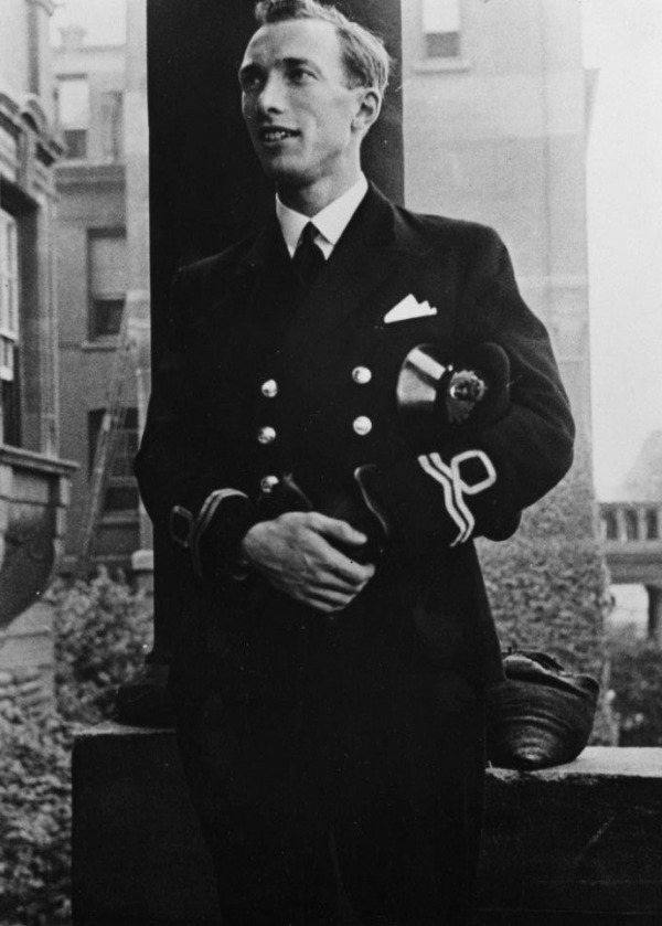 photograph of John Loaring in naval officer uniform