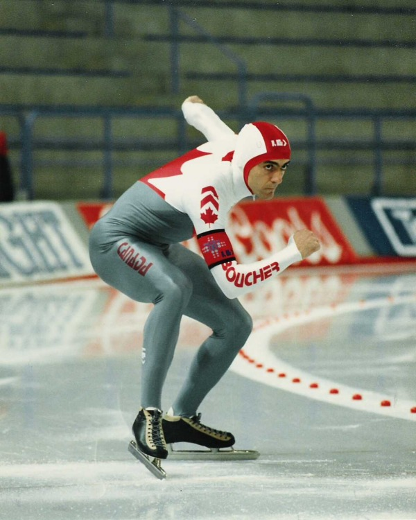 photograph of Gahttp://sites.psu.edu/symbolcodes/codehtml/tan Boucher at start of speed skating race